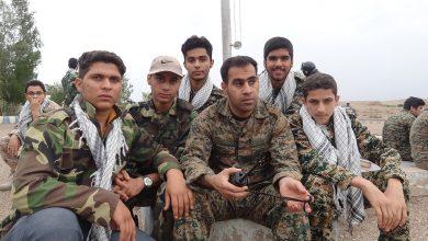 Photo of فرماندهی دلها: فیلمی از شهید سیدمجتبی در حال توجیه بسیجیان اعزامی به میدان تیر